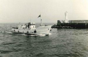 木船 19屯型。県下中学校臨海実習生の海洋訓練、県立漁業高等学園・県立焼津水産高校生の航海並びに漁業訓練を行った。