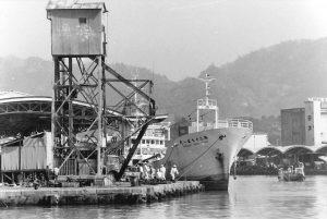 第一船渠西岸壁南端に設置